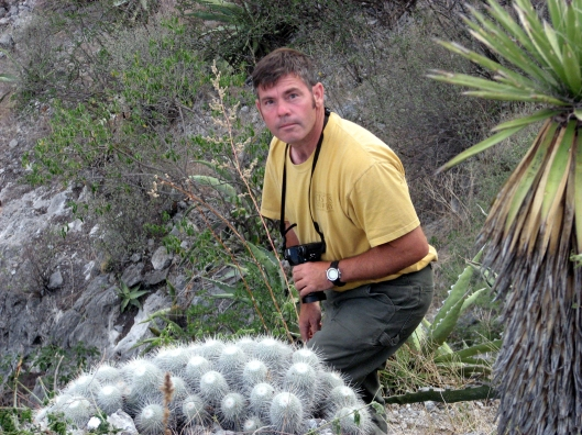 sean-hogan-with-large-mamillaria-june-2006